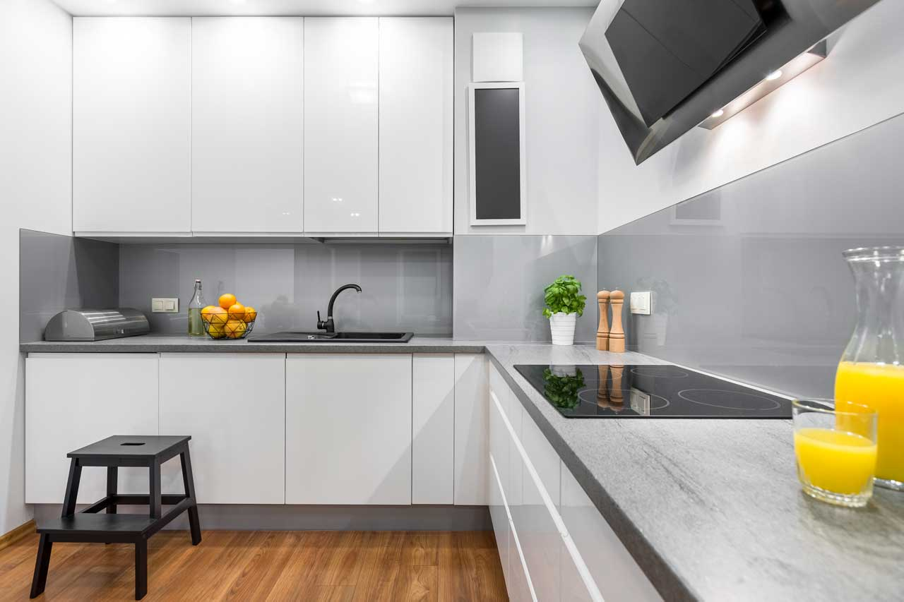 מטבחים מעץ תאורה למטבחים בעלי ניסיון בתחום עם מקצועיות ומיומנות ועם הרבה מוטיבציה שיודעים להתאים לכל לקוח מטבחים מתאימים תוך כדי הפעלת המקרר והתנור ללקוח במטבח שלו