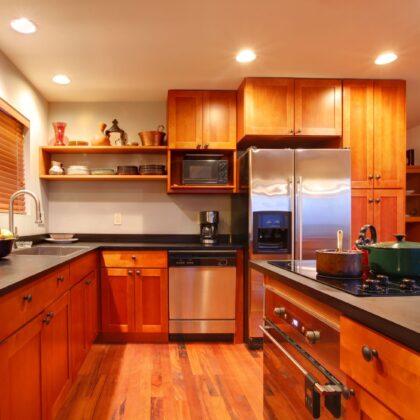 מטבחים מעץ מלא דגם ביתי קלאסי
