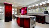 מטבח בצבע אדום