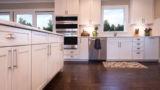מטבחים מעץ מעצבי מטבחים קלאסיים עם ציוד מקצועי עם מקצועיות ומיומנות ועם הרבה מוטיבציה שיודעים לתקן בעיות בשטח באופן מהיר תוך כדי תחזוקת מטבחים